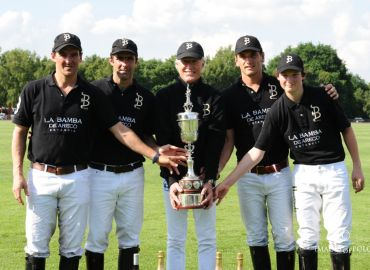 CQC 2018 The winning La Bamba de Areco team with the Kerry Packer Trophy.jpg
