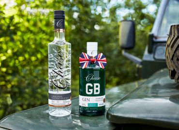 06_19_18_Chase_Distilary_Vodka_and_Gin_Family_Outside_V1_HYBRID.jpg