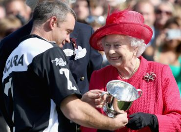 Cartier-Polo-Queens-Club-Queen-Handing-Trophy.jpeg